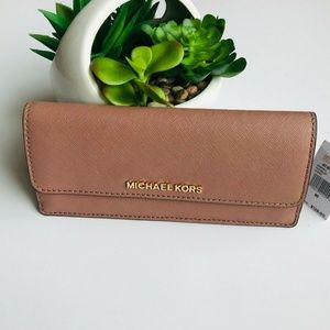 Michael Kors Jet Set Travel Flat Wallet Leather